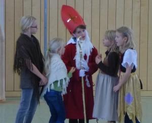Die Kinder flehen Bischof Nikolaus an